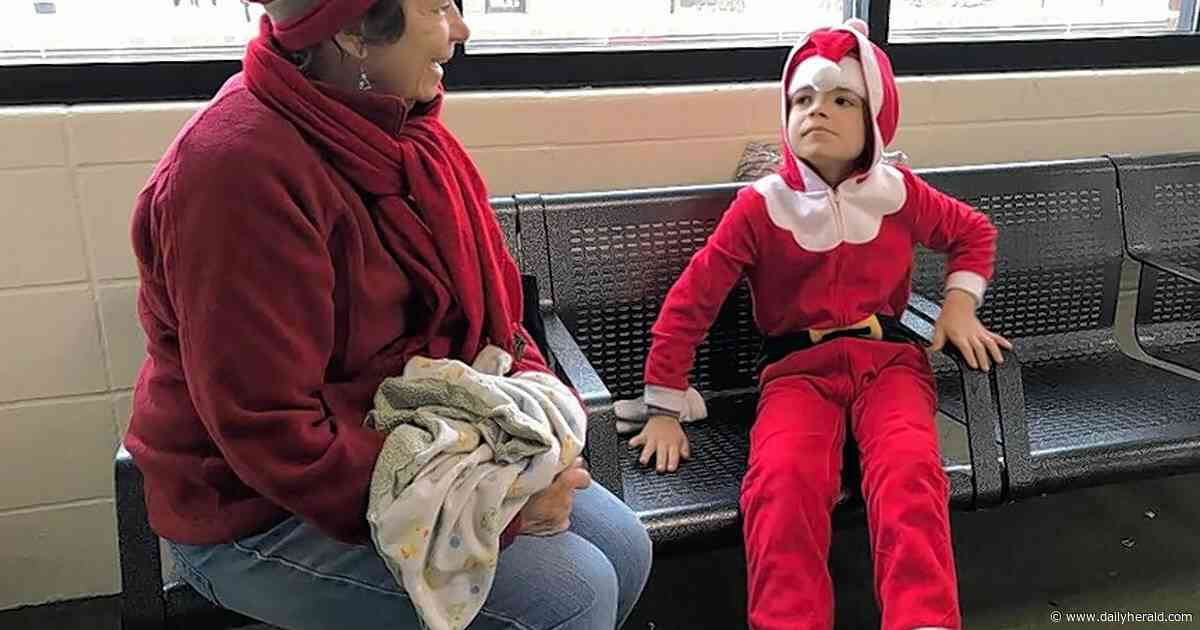 Santa takes kids on commute from Lisle to 'North Pole'