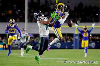 Rams stay in playoff hunt, end Seahawks' 5-game streak 28-12