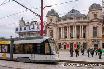 """'Boulevardtram' is na 54 jaar terug: """"Een historische dag voor Antwerpen"""""""