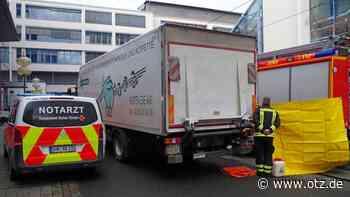 Lastwagen überfährt Seniorin am Jenaer Ernst-Abbe-Platz