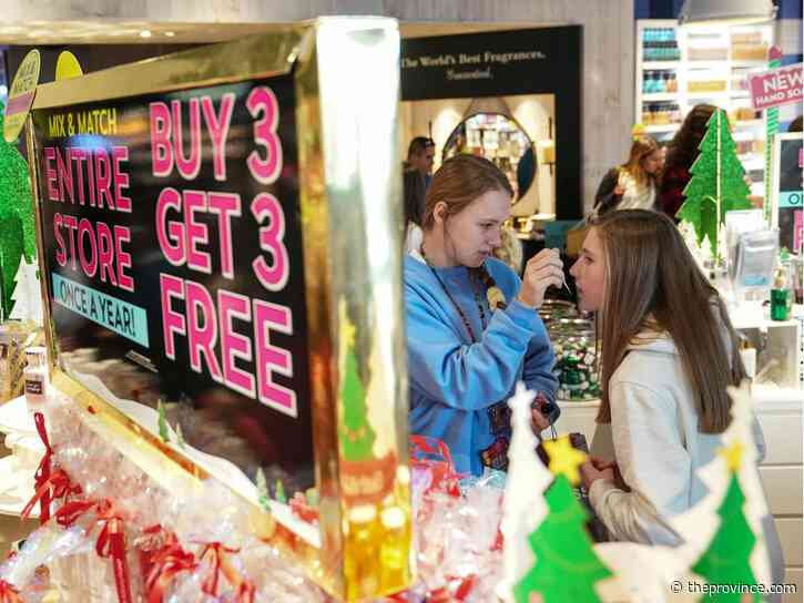 Secrets to help teens spend wisely while holiday shopping