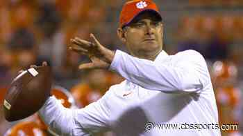 South Florida finalizing a deal with Clemson co-OC Jeff Scott to become next coach, per reports