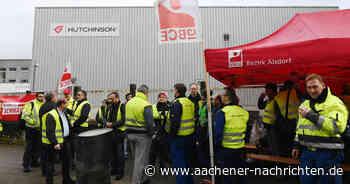 """Mahnwache bei Hutchinson in Aachen: """"Niemand sagt uns, wie es weitergeht"""""""