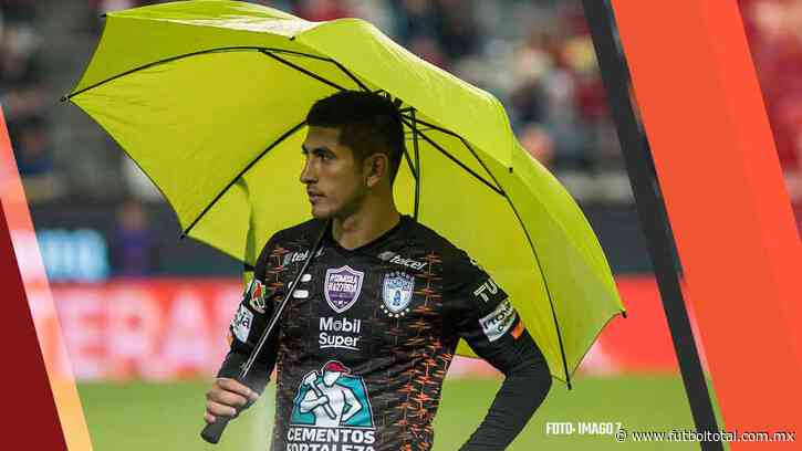 Víctor Guzmán también se presenta a pruebas médicas con Chivas