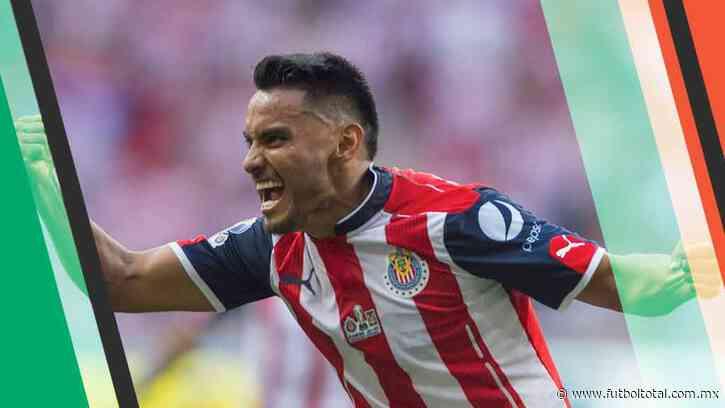Chivas llega a un acuerdo con 'Gallito' Vázquez