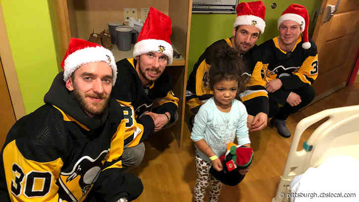 Pittsburgh Penguins Bring Holiday Cheer During Visit With Children's Hospital Patients
