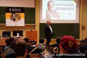 """KVHV verdedigt seksistische lezing Hoeyberghs: """"Aan taboe doen wij niet"""""""