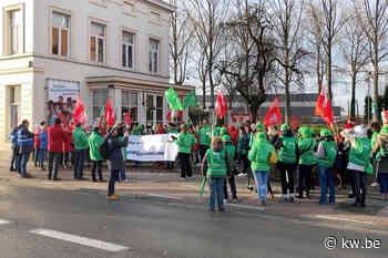 VIDEO Werknemers dienstenchequebedrijven betogen in Brugge