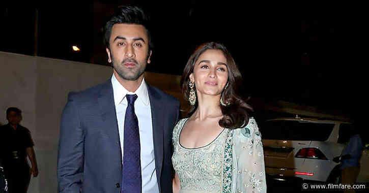 Lovebirds Ranbir Kapoor and Alia Bhatt planning to tie the knot in Kashmir?
