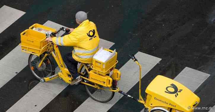 Mannheim:  Postbotin auf E-Bike bei Unfall verletzt