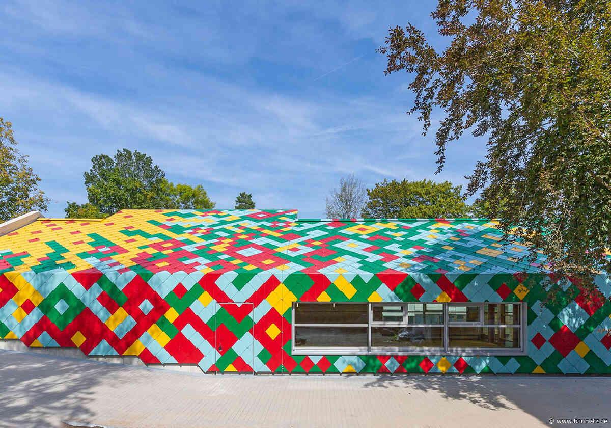 Blumenwiese für ein Picknick  - Mensa von hammeskrause architekten in Stuttgart