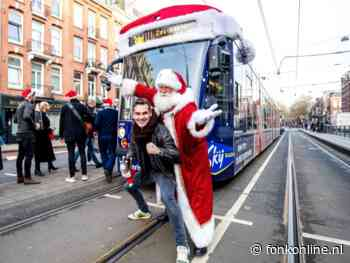 Verrassingsoptreden Jeroen van der Boom in Sky Radio kersttram