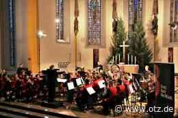 Rezension: Riesenbeifall für traditionelle Jenaer Bläserweihnacht