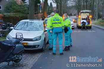 Jongeman gewond bij harde botsing met geparkeerde auto