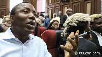 Armed secret police storm court to re-arrest Nigerian activist Omoyele Sowore