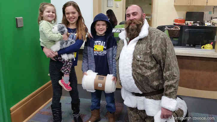 Former Pittsburgh Steelers Defensive End Brett Keisel Delivers Gifts To Children's Hospital As Camo Santa