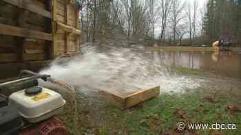 Heavy rains cause flooding in Sussex