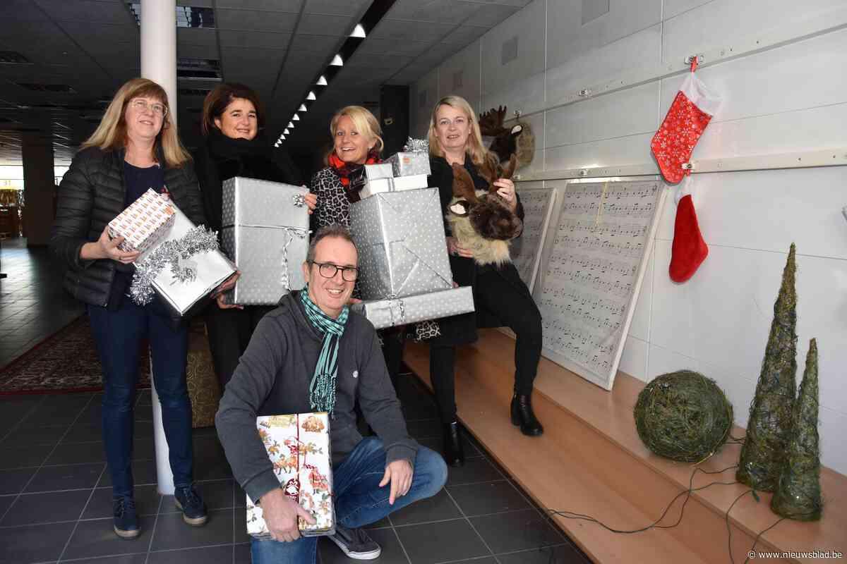 Bornemse handelaars bouwen samen aan Huis van de Kerstman in de Boomstraat
