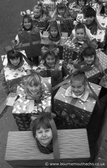 PICTURES: Broadstone Christmas parade in 1989