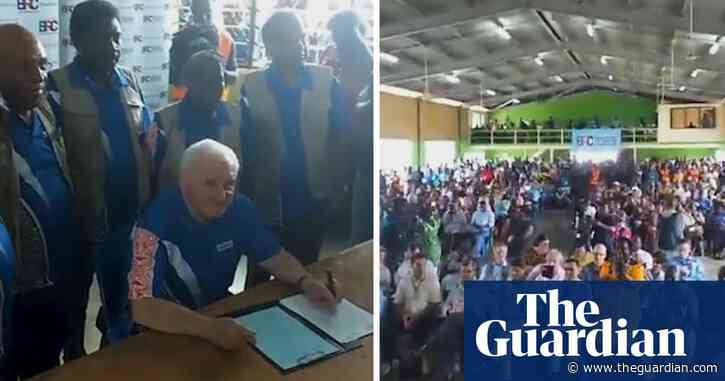 Bougainville referendum: Cheers erupt as results in favour of independence announced – video