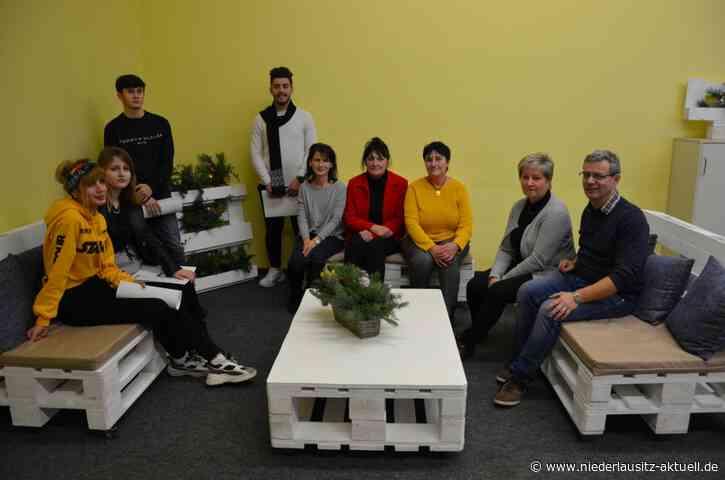 Frühes Weihnachtsgeschenk junger Zugewanderter für das OSZ Lauchhammer