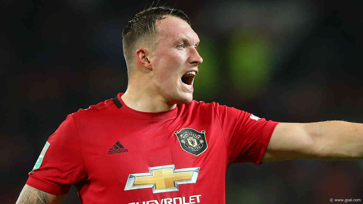 Solskjaer provides update on Jones's Man Utd future after leaving defender out of last four matchday squads