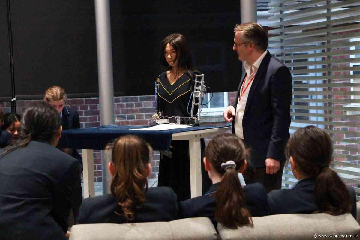 Ai-Da the AI robot visits Headington School in Oxford