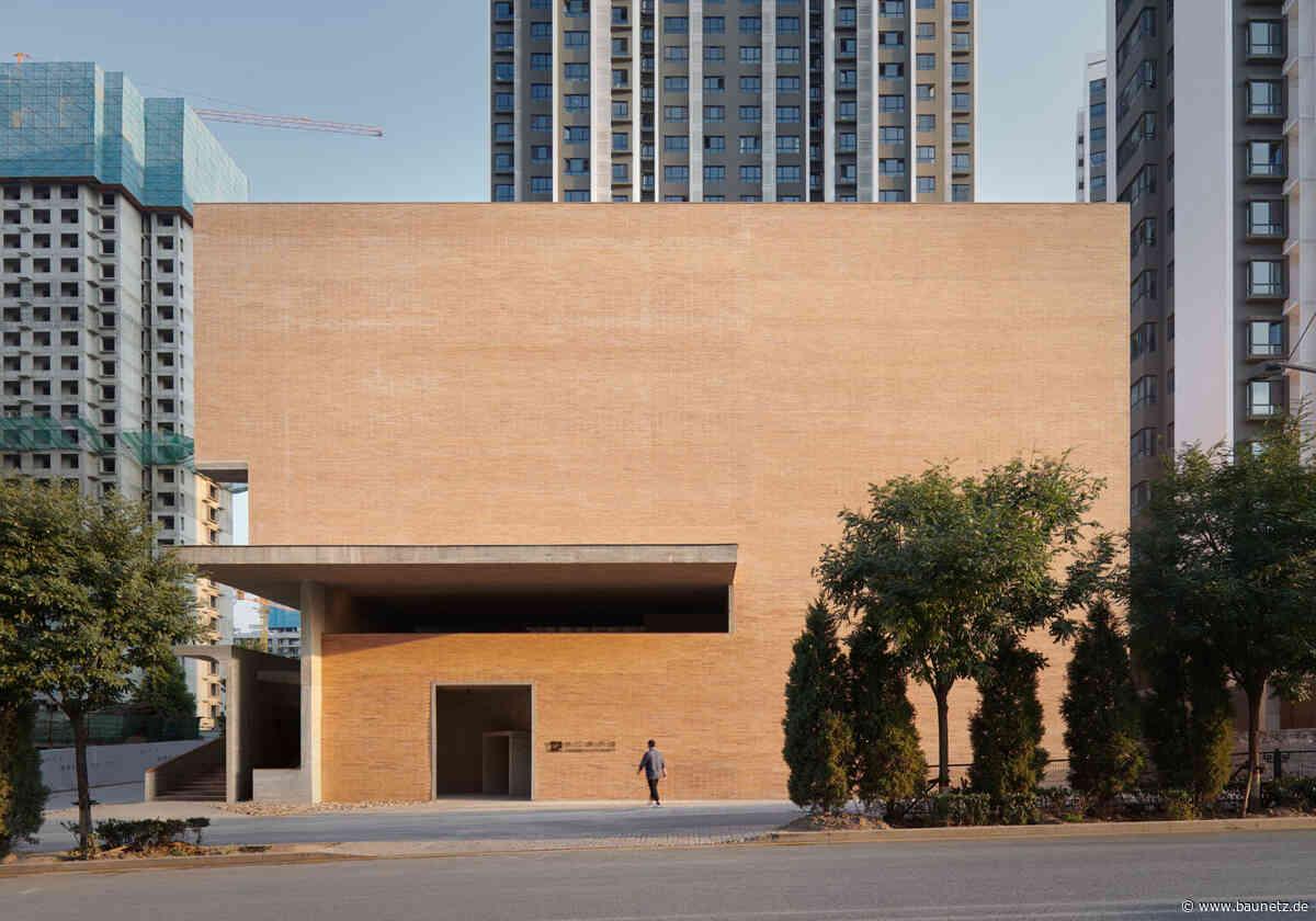 Ziegelblock im Hochhauswald  - Museum in Nordchina von Vector Architects