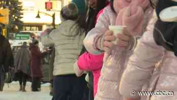 Hundreds of volunteers show up for 'Warm Soup For Warm Hearts' human chain