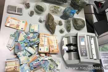 Politie vindt 3 kilogram cannabis en 42.000 euro bij gezin van zeven