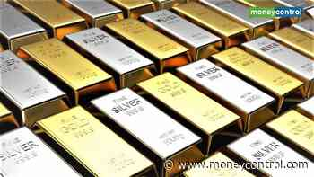 Gold futures rise marginally before Fed#39;s rate decision; retail price down Rs 26 to Rs 37,792 per 10 gram