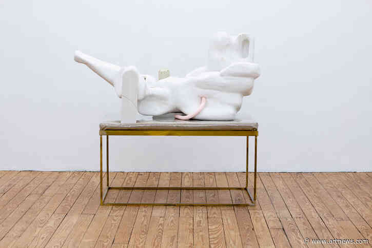 Douglas Rieger's Wood Sculptures Evoke the Frailty of theBody