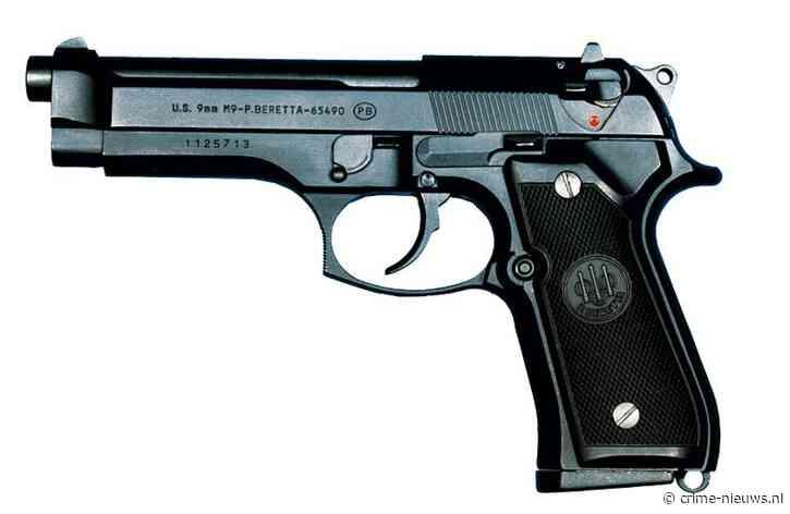 Schot gelost na bedreiging met pistool in woning Eindhoven