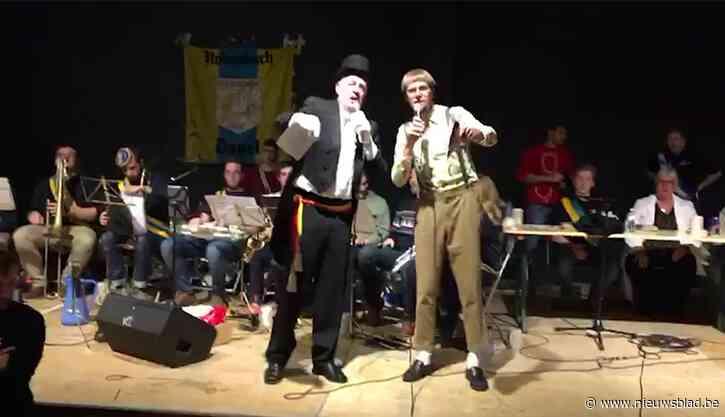 """Meer dan 2000 studenten op massacantus met meneer de burgemeester en Van Leemhuyzen: """"Waar zijn die koekjes nou?"""""""