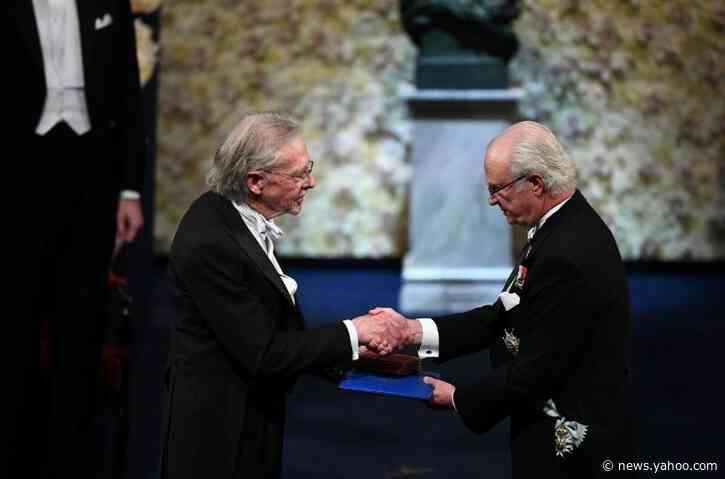 Handke faces protests at Nobel Prize ceremony