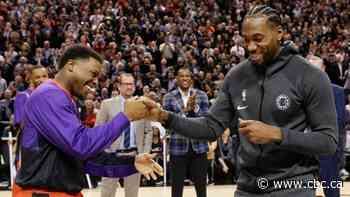 Kawhi Leonard receives championship ring from Raptors to rousing ovation
