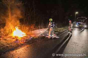 Gedumpt afval in brand gestoken in Arnhem