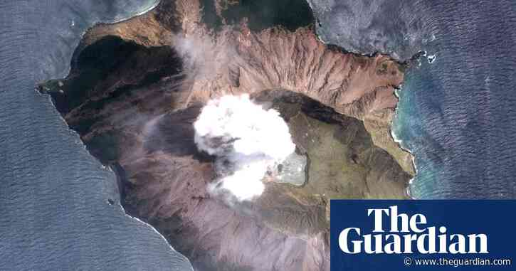 New Zealand volcano: police plan body retrieval on Friday despite eruption risk
