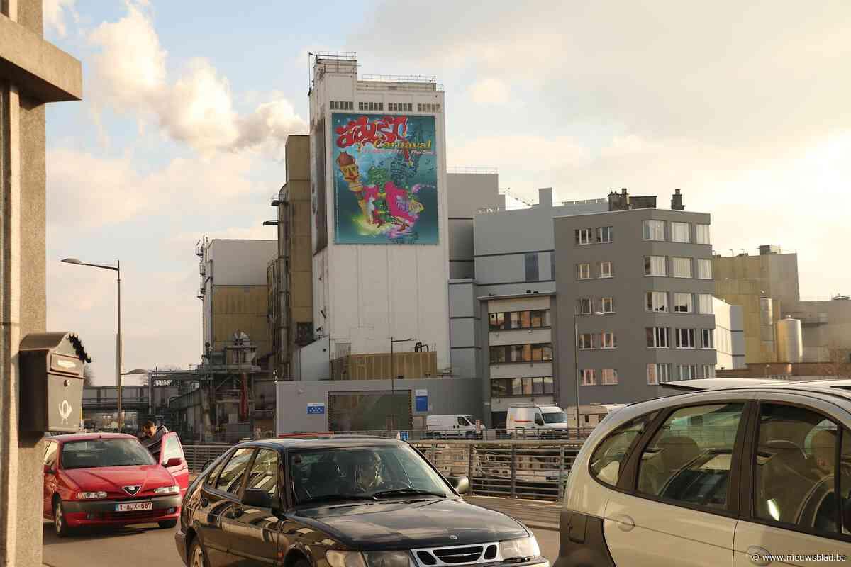 """""""De kroniek van een aangekondigd drama"""": locatie fabriek in stadscentrum ter discussie"""