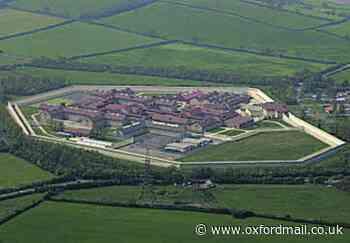 Bullingdon prisoner 'had phone in cell' trial hears