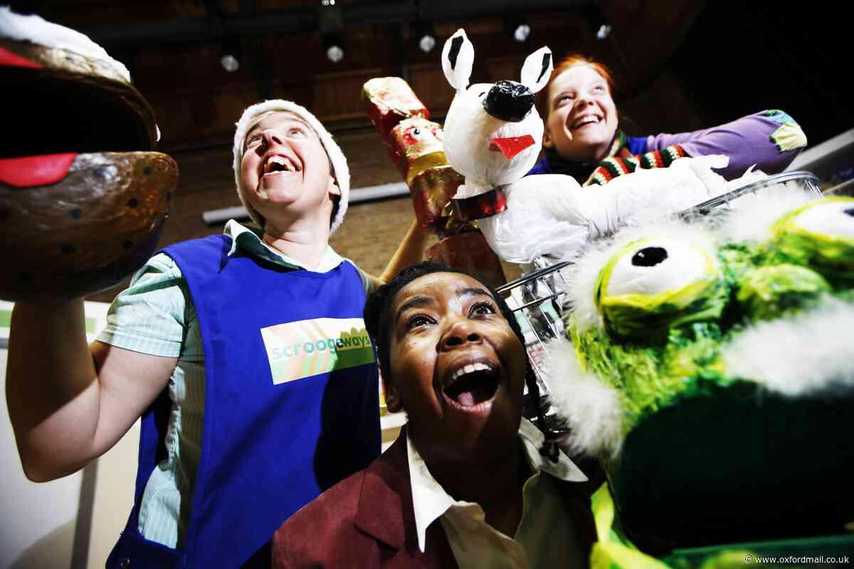 Family puppet show in Oxford this Christmas: Supermarket Scrooge