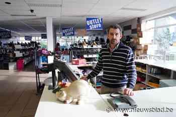 """Gewapende overval op schoenenwinkel: """"Hij haalde tweemaal de trekker over"""""""