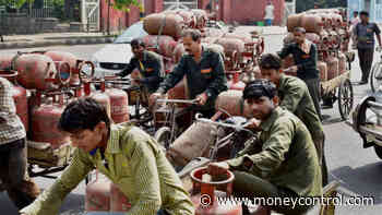 HPCL auto-booking LPG refills under PMUY without customers' knowledge: Report