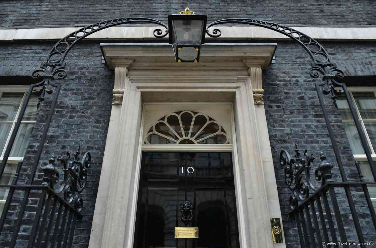 How much does it cost to live at No.10?