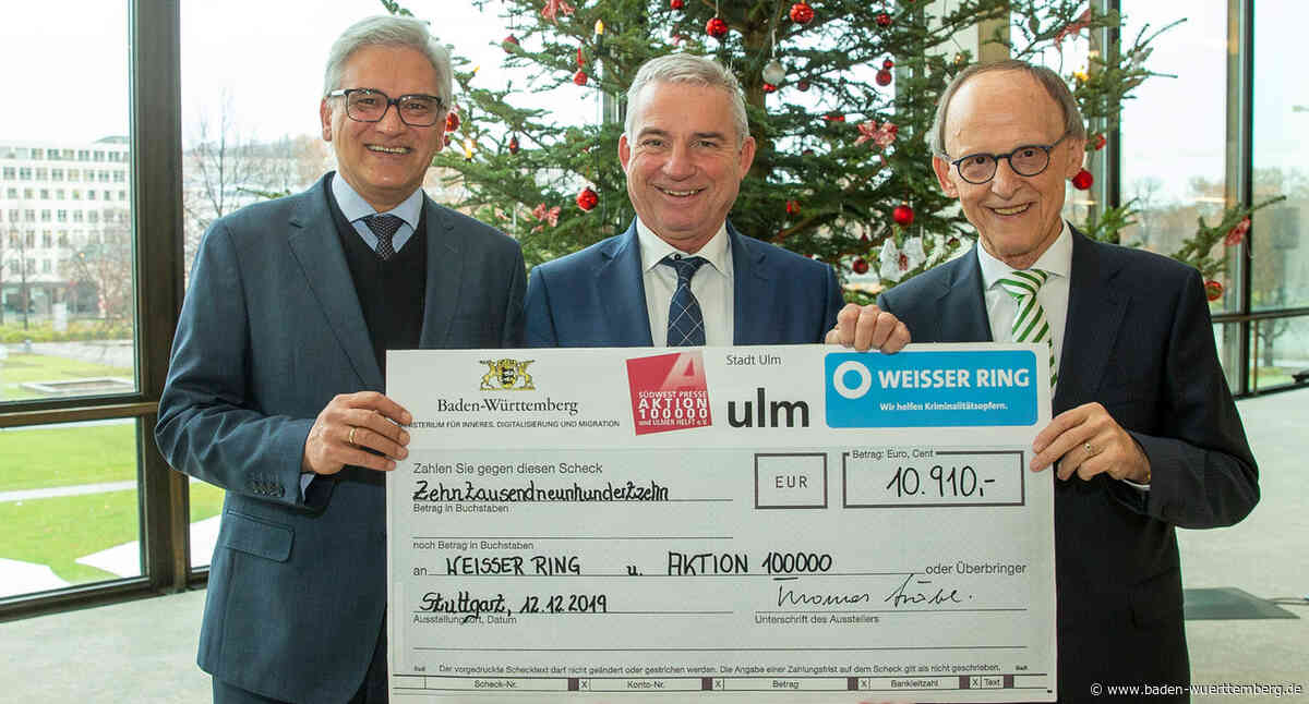 Spendenübergabe zum Benefizkonzert im Ulmer Münster