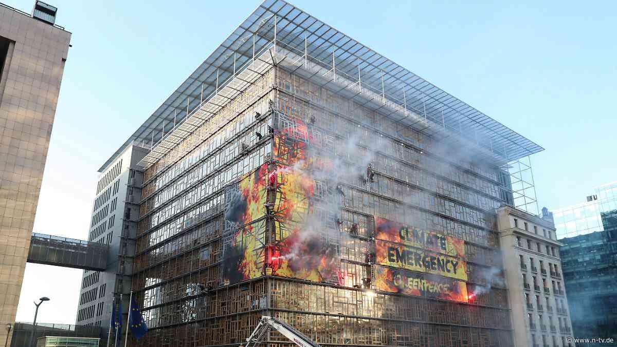 Gipfel-Verlegung stand im Raum: Klima-Aktivisten besetzen EU-Gipfel-Gebäude