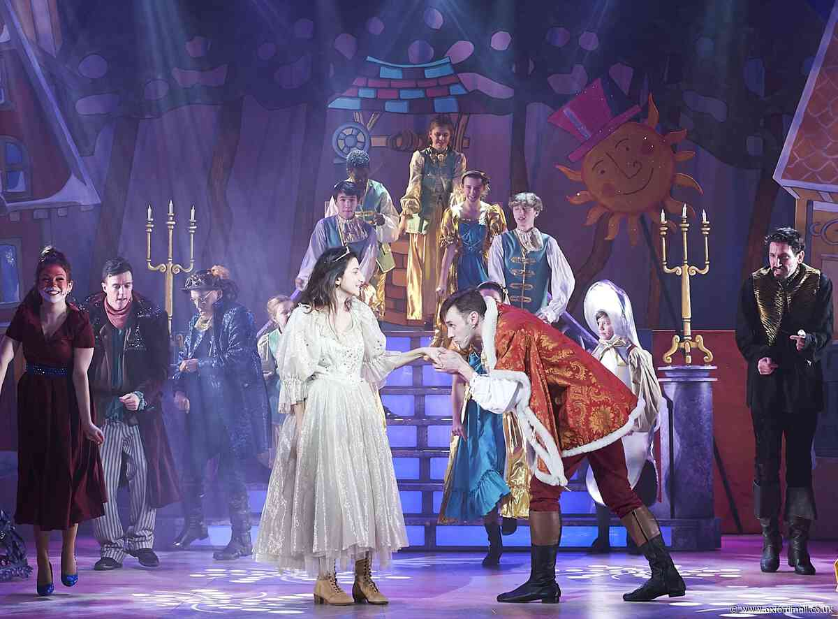 REVIEW: Oxford Playhouse panto's a smash-hit Beauty