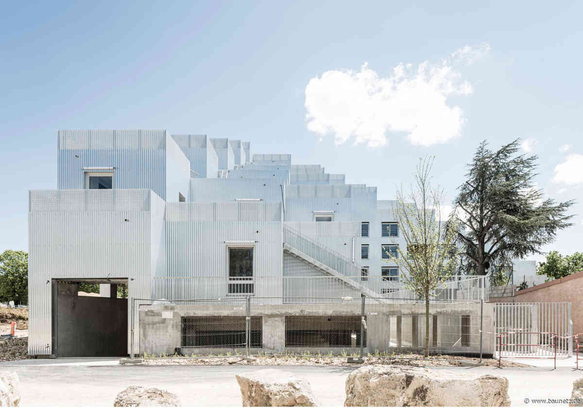 Flexibles Kistenstapeln  - Wohnungsbau in Dijon von Sophie Delhay