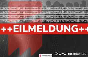B303-Sperrung: Schwerer Unfall bei Ebersdorf bei Coburg - Baustellenfahrzeug umgekippt