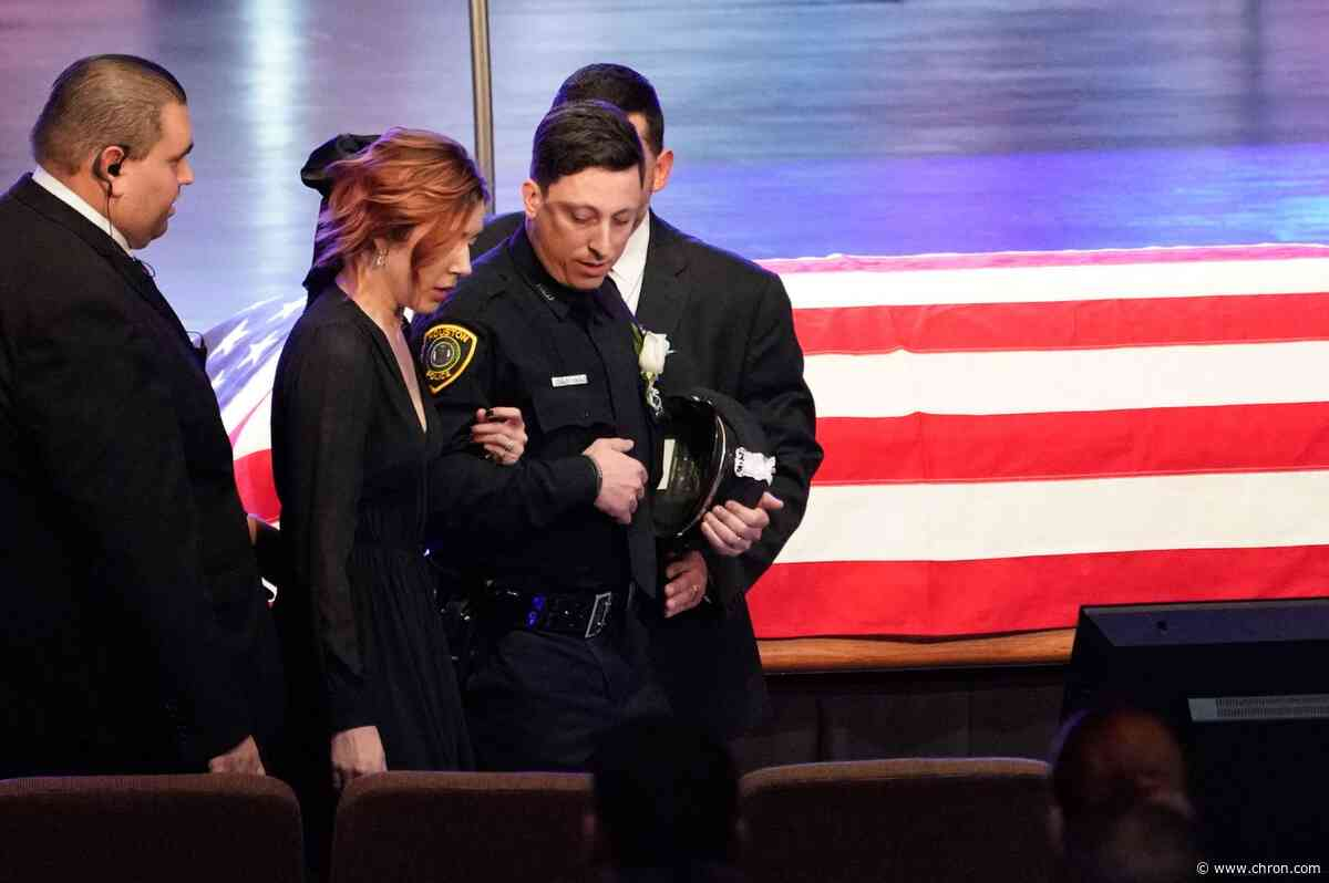 Thousands mourn fallen Houston police sergeant Chris Brewster as 'absolute hero'